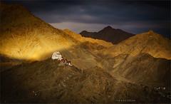 Enlightment in the Himalaya (carmenvillar100) Tags: ladakh leh india kashmere kachemira himalayas enlightment iluminacion paisaje landscape budistmonastery mountains montañas castle castillo