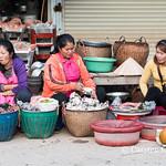 Phonsavan market trio thumbnail