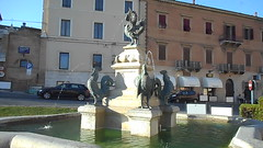 Fountain of the roosters, with winged dragon of Paul V Borghese, pope between 1605 and 1621 - Bronze sculptures by Tarquinio and Pietro Paolo Iacometti - Loreto / Ancona (Carlo Raso) Tags: fountain roosters wingeddragon paulvborghese tarquinioandpietro paoloiacometti loreto ancona