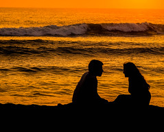 Heart to heart (risaclics) Tags: crazy couples smile saturday 2016 7dw 85mm18 abril april huanchaco nikond610 peru altardecer paisajes sunset crazycouples smileonsaturday
