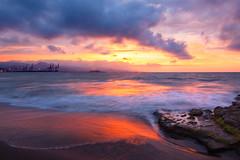Amanecer en Málaga (quinoal) Tags: 9912 amanecer playadelamisericordia playa mediterráneo quino quinoal málaga nubes rocas sunrise