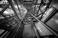 Le Jules Verne, Eiffel Tower