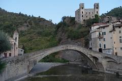 Dolceacqua (Alberto Cameroni) Tags: liguria dolceacqua ponte leica leicaxtyp113 castello monet citazione