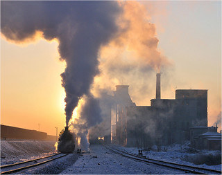 SUNRISE AT DONGFANG-HONG MINE