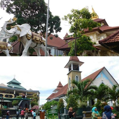 Sejauh manapun kaki mu melangkah, tanah air #Indonesia adalah tempat kita kembali, travellers! 😊😊. Happy #IndependenceDay Indonesia!  . Bagaimana kalian memaknai Hari Kemerdekaan di tahun 2017 ini? Bahagia sekali melihat euforia semangat 17 Ag