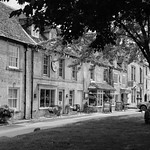 Coffee and Shade, Stow on the Wold thumbnail