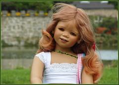 Tivi ... (Kindergartenkinder) Tags: sommer blumen personen kindergartenkinder garten blume park annette himstedt dolls tivi wasserschlosslembeck