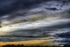 Ciel_3893_HDR (lucbarre) Tags: ciel sky cloud clouds nuage nuages extérieur hdr landes