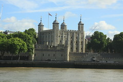 Tower of London (Steve Dawson.) Tags: toweroflondon tower london river thames royalpalace fortress crownjewels ravens canoneos50d canon eos 50d ef28135mmf3556isusm ef28135mm f3556 is usm 29th july 2017 ridelondon weekend