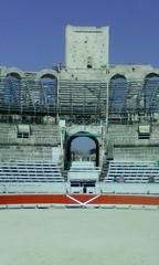 Arena und Tribüne III (Grüner Nomade) Tags: frankreich provence arles amphitheatervonarles amphitheater arena tribüne 201603
