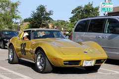Chevy Corvette 18 (Can Pac Swire) Tags: car auto automobile old vintage toronto ontario canada canadian city urban chevy chevrolet american corvette golden mustard metallic 2017aimg1944 special custom customised customized licence license plate number 18