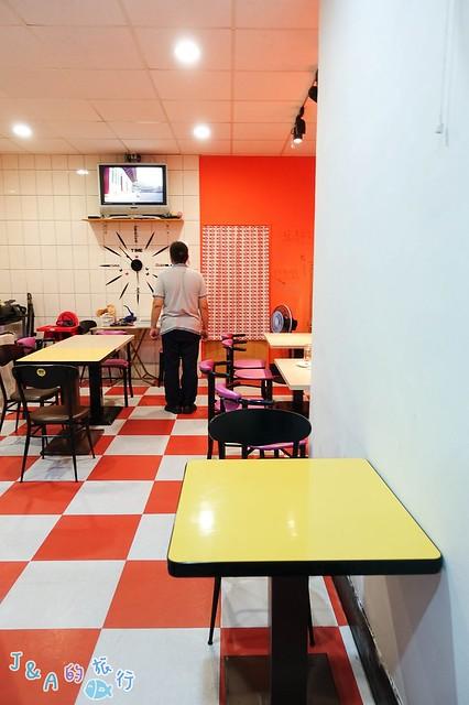 【基隆美食】弘煎餅 (已搬至暖暖碇內街)-平價韓式料理60~80元就吃得到!有酥脆炸飯團、煎餅、韓式炸醬麵/飯、冷麵和氣泡果醋唷! @J&A的旅行