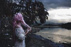 En mi Soledad (mary.fj81) Tags: retrato rosa soledad paz agua lago pink bottle water river