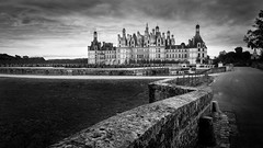 Chambord (lordamien) Tags: 2017 noiretblanc canon 1740mm chateau loire nb dark sombre france patrimoine
