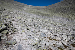 It goes round and round (Raphs) Tags: norge norway oppland rondanenasjonalpark rondholet mountain slope valley round rocks barren debris wide empty space grey raphs canoneos70d canonefs1585mmf3556isusm minimal fv5