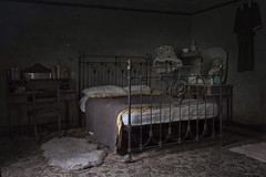 E N T H R O N E D (A N T O N Y M E S) Tags: antonymes abandoned interesting derelict explore empty destroyed abandonedbuilding abandonedhouse derelictbuilding derelicthouse urbex urbanexploration decay decayed broken rust old deserted unloved unused dark creepy decaying canon 70d