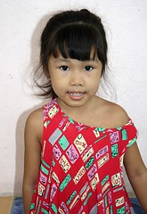 cute girl (the foreign photographer - ฝรั่งถ่) Tags: cute girl child khlong thanon portraits bangkhen bangkok thailand canon kiss