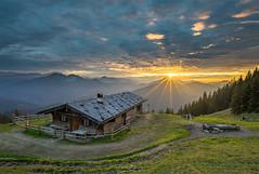 Sonnenuntergang in den Alpen (F!o) Tags: spitzingsee bayern deutschland rotwand alm almhaus sonnenstern blendenstern alpen alps bavaria landscape lanschaft landschaft sonnenunterang sonnenuntergang sunrise sunset sunstar nikon 20mm 18g ngc