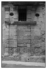 Muré... (DavidB1977) Tags: france languedocroussillon hérault poussan nikon d610 2885mm nb bw