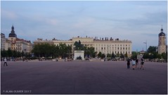 La place Bellecour le soir