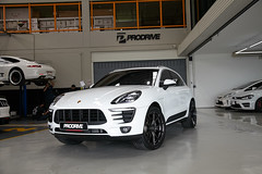 Porsche Macan S with Vorsteiner V-FF 103 Carbon Graphite R21 (WheelsPRO) Tags: porschemacanswithvorsteinervff103carbongraphiter21 porschemacans porsche macans porschewheels vorsteinerwheels wheelspro kiev drive2 vehicle rim smotra киев wheels wheel rims car customwheels tuning concave диски колеса сто драйв flowforged suv suvclub macan маканбпорше порш prodrive r21