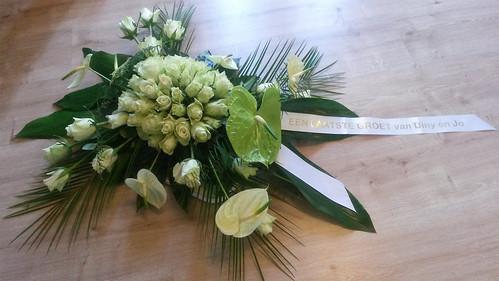 45mm wit rouwlint met goud glimmend bedrukt