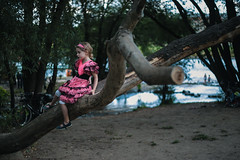 Séjour à Dresde (theodirector) Tags: tree princess littlegirl girl pinkdress pink monkey cute pretty kid child childhood children enfant kinder kindern princesse dresden dresde nature streetphoto streetphotography deutschland allemagne german germany elbe climb climbing dress