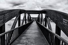 Antiguo puente de Ribadeo (vpogarcia) Tags: blanco negro black white sea puente bridge galicia spain españa madera wood hierro tranquilidad gray gris ribadeo galician asturias