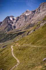 Uphill towards the Matterhorn (glank27) Tags: matterhorn breuil cervinia italy italia karl glanville trek trekking walk uphill climb size mountains alps canon eos 5d mkiv ef 50mm f18ii landscape