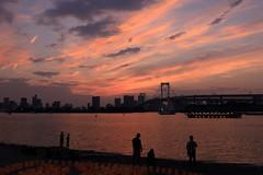 Sunset at Tokyo Bay (seiji2012) Tags: 東京 お台場 レインボーブリッジ 夕焼け シルエット tokyo bay sunset silhouette water rainbowbridge