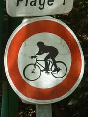 interdit au VTT descente ! (Vélogo) Tags: 33 invention interdiction