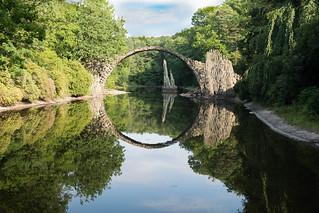 Rakotzbrücke im Sommer