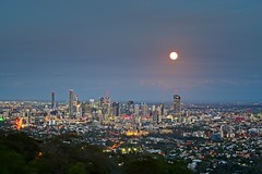 Moon over Brisbane from Cootha (noompty) Tags: brisbane queensland mt cootha city cityscape moon pentax k1 hddfa70200mmf28eddcaw on1pics