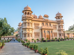 Mohatta Palace, Karachi, Pakistan at sunset (patuffel) Tags: موہٹہ mohatta palace pakistan karachi clifton in explore