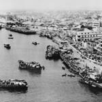 VIETNAM WAR 1975 - Boats Transporting Refugees thumbnail