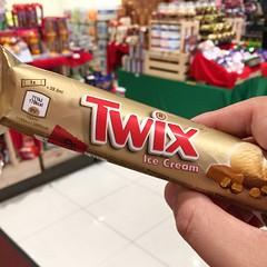 Twix 20161128 In Aeon 2 (Nick Littlefoodtrail) Tags: twix indulgence icecream food foodphotography foodporn littlefoodtrail