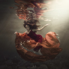 Tracie - Lake Effect (wesome) Tags: adamattoun underwaterphotography underwaterportrait portrait portraiture ikelite