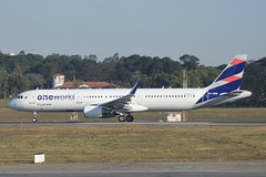 JJ A321 GRU (Luis Fernando Linares) Tags: cfm oneworld jet planespotting sharklets brasil latam tam jj gru sbgr a321 airbus avgeek aviation aircraft airplane airport airlines