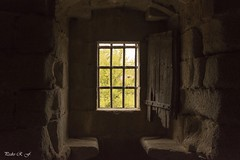 Tertulia (pedroramfra91) Tags: verano summer ventana window castillo castle luces lights