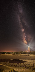 Vía Láctea en Cabo de Trafalgar (PictureJem) Tags: víalácteanoche nocturna playa faro