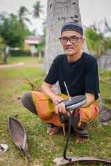 DSC09509 (inkid) Tags: people men man art silat asian f14 hsm ppl outdoor kelantan kelantandihati malaysia asia asw travel bokeh dof gasing 50mm za ssm zeiss