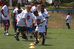 "thomas-davis-defending-dreams-foundation-0262 • <a style=""font-size:0.8em;"" href=""http://www.flickr.com/photos/158886553@N02/36787790310/"" target=""_blank"">View on Flickr</a>"
