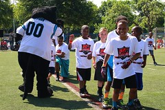 "thomas-davis-defending-dreams-foundation-0161 • <a style=""font-size:0.8em;"" href=""http://www.flickr.com/photos/158886553@N02/37013618282/"" target=""_blank"">View on Flickr</a>"