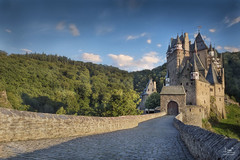 Burg Eltz (Bram de Jong) Tags: castle germany burgeltz tripadvisor rhinelandpalatinate nikon 3leggedthing 845filter landscape ngc wierschem sunset