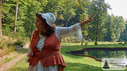 Kammerzofe Henrietta am Tosbecken Schloss Karlsberg