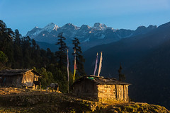 Gocha-la trek in Sikkim, India (David Ducoin) Tags: asia dzongri gochala hike himalaya house india kangchenjunga landscap landscape mountain nationalpark prayerflag sikkim sunset trek gangtok in