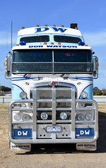Watson (quarterdeck888) Tags: trucks transport semi class8 overtheroad lorry heavyhaulage cartage haulage bigrig jerilderietrucks jerilderietruckphotos nikon d7100 frosty flickr quarterdeck quarterdeckphotos roadtransport highwaytrucks australiantransport australiantrucks aussietrucks heavyvehicle express expressfreight logistics freightmanagement outbacktrucks truckies watson donwatson fridgevan fte k200 kenworth