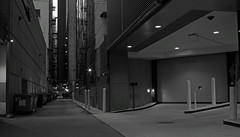 Downtown Chicago Alley at Night  - 04 Aug 2017 - 7D II - 194 (Andre's Street Photography) Tags: downtownchicago04aug20177dii chicago downtown chicagoil chitown loop alley backalley chicagoalley dumpsters dark atnight afterdark cityscape moody danger filmnoir blackandwhite bw bwphotography urban urbanphotography noiretblanc blancoynegro blancoenero zwartwit schwarzweiss urbanchicago chicagophotographers chicagocapture stad stadt metro metropolis ville chicagotribune chicagoreader chicagojournal chicagomagazine chicagoistphotos chicagostreets chicagosalleys alleyatnight photobyandrevanvegten