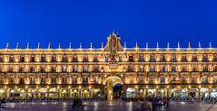 Plaza Mayor / Salamanca / Spain 2016 (zilverbat.) Tags: spanje travel unesco bild unescoheritage image longexposurebynight lenight bluehour zilverbat spain longexposure square canon cinematic city visit buildings architecture urban nightphotography nightshot night nightlights nightlife nightimage salamanca terras horeca bar cafe service tax dinner tourism plazamajor people avond plaza gate baroque arches arche shopping shop arcade facade europe eu europa wallpaper