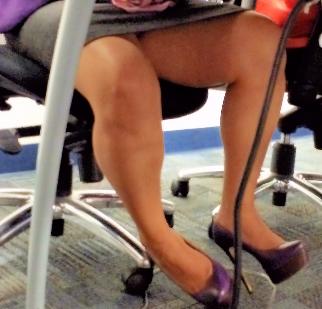 Video! Hot Latina feet fetish candid photos
